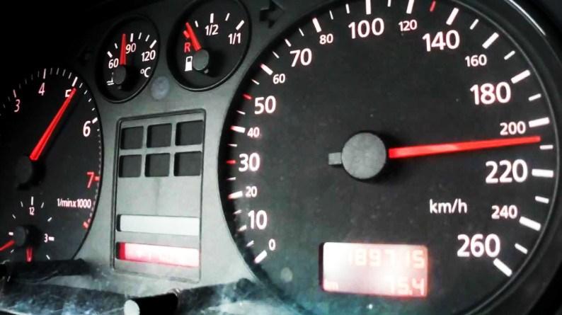 Lugoj Expres Șoferi vitezomani, prinși conducând cu 200 km/h pe autostrada A1 vitezomani autostrada A1 200 km/h pe autostrada A1