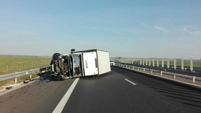 Lugoj Expres Autocamionetă răsturnată, pe autostrada A1 ISU Timiș descarcerare autostrada A1 autocamionetă răsturnată accident