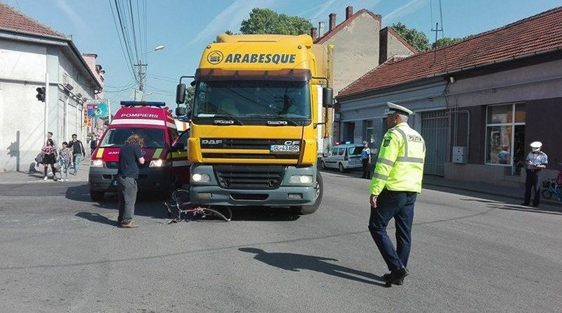 Lugoj Expres Biciclistă rănită grav după ce a fost acroșată de un TIR vătămare corporală rănită grav Lugoj infracțiune călcată de tir biciclistă accident
