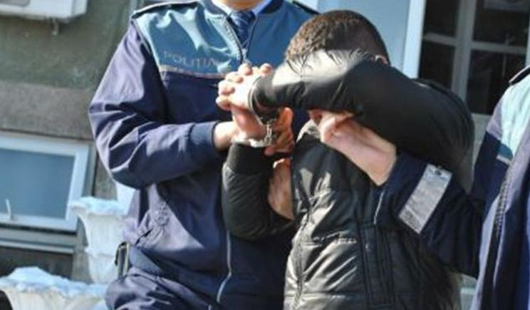 Lugoj Expres Tânăr de 19 ani, reținut de polițiștii lugojeni tânăr reținut furt fără permis autoturism arestat activitate infracțională