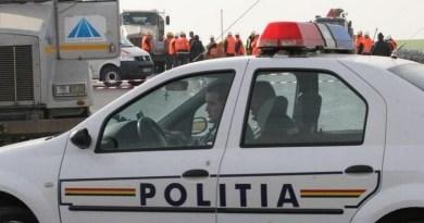Lugoj Expres Un Volvo a intrat într-un autocamion, pe autostrada A1. O femeie a fost rănită Volvo Lugoj femeie rănită autostrada A1 autocamion anchetă accident