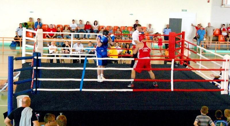 Lugoj Expres Boxerii din Lugoj, la Cupa Prieteniei pugiliști Oradea Cupa Prieteniei CSM Lugoj competiție box