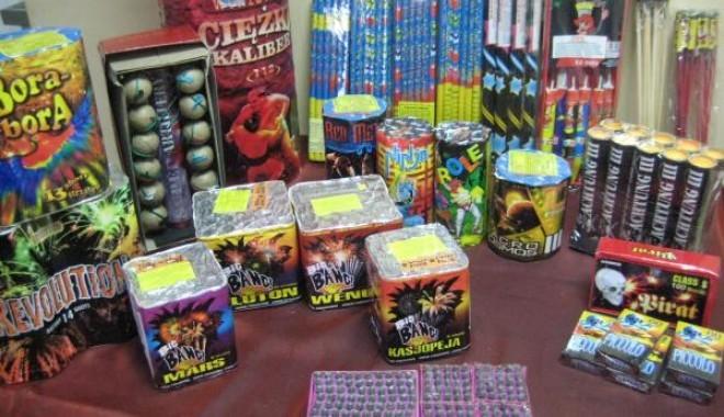 Lugoj Expres Articole pirotehnice, scoase la vânzare în Piața din Lugoj vânzare piața infracțiune dosare penale articole pirotehnice