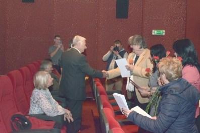 Lugoj Expres Noi diplome și premii pentru seniorii Lugojului (FOTO) vârstnici seniori premii diplome administrația lugojeană