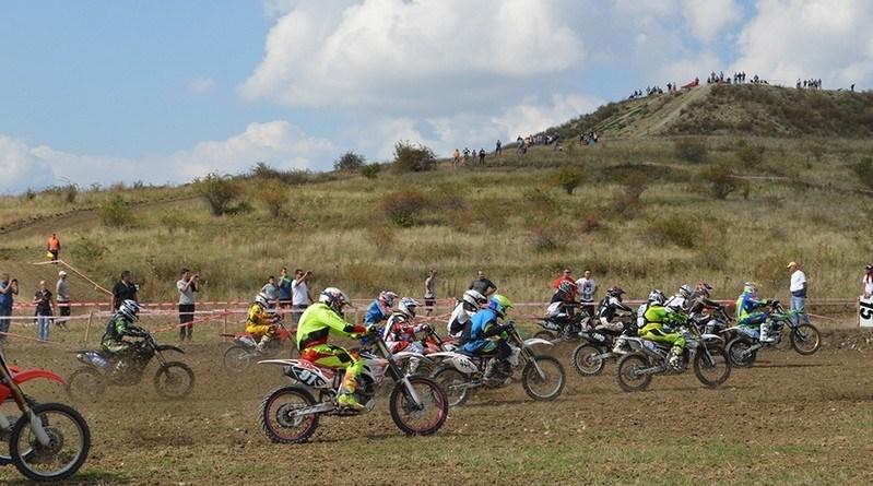 Lugoj Expres Campionatul Național Individual al României la motocros - etapa a III-a, pe circuitul de la Lugoj premiere motocros motocislism Moto Extrem Lugoj medalii etapa a treia circuit campionatul național individual de motocros antrenamente