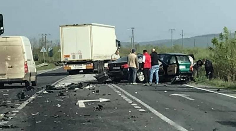 Lugoj Expres Carambol, cu patru autoturisme și un tir, pe DN 6 patru autoturisme Lugoj Găvojdia DN 6 circulație blocată cercetări Caransebeș carambol autotren accident DN 6 accident