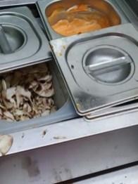 Lugoj Expres Dezastru găsit de comisarii ANPC, în bucătăriile unităților de almentație publică din Lugoj suspendarea activității restaurante Lugoj restaurante închise restaurante protecția consumatorului mizerie restaurante Lugoj mizerie Lugoj controale amenzi alimentație publică