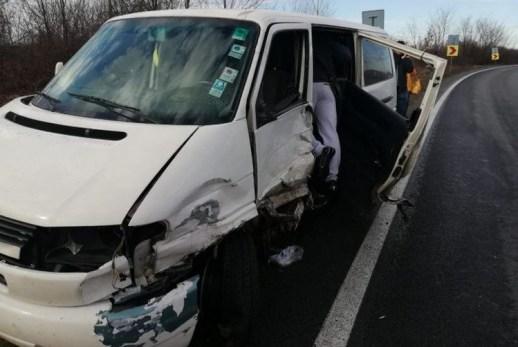 Lugoj Expres Coliziune între două microbuze și un TIR, pe DN 6 vătămare corporală TIR persoană rănită microbuze Lugoj Jupa impact dosar penal DN^^ depășire coliziune Caransebeș accident