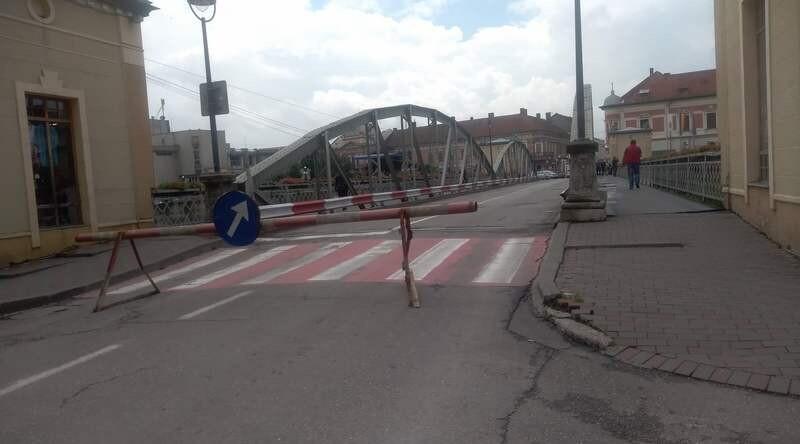 Lugoj Expres Apele râului Timiș, în creștere! Podul de Fier, închis circulației rutiere râul Timiș precipitații Podul de Fier Lugoj inundații debit circulație închisă circulație circulația rutieră