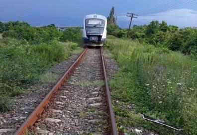 Lugoj Expres Mașină lovită de tren, la intrarea în Lugoj tren mașină lovită de tren Lugoj circulația feroviară cercetări accident feroviar Lugoj accident feroviar accident