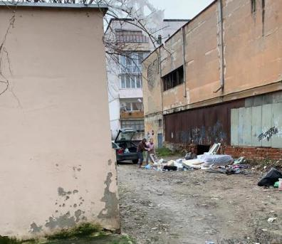 Lugoj Expres Bărbat amendat cu 3.000 de lei pentru că a aruncat gunoiul pe domeniul public sancțiune Lugoj gunoi Fârdea domeniul public deșeuri amendă