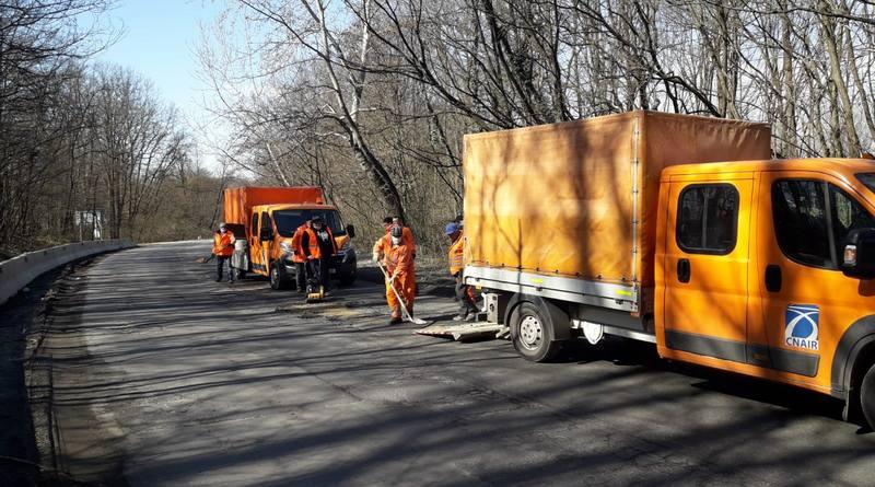Lugoj Expres Atenție, șoferi! Se lucrează pe DN 68A Lugoj-Deva șantier rute ocolitoare restricții de viteză restricții Margina Lugoj lucrări la carosabil lucrări DN 68A Deva Coșevița carosabil atenție șoferi ambuteiaje