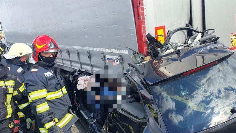 Lugoj Expres Accident grav pe autostrada A1. Șoferul unui autoturism a murit șofer decedat autostrada A1 accident grav accident