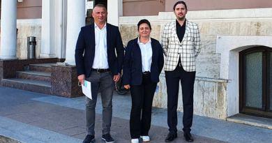 Lugoj Expres Consilierii USR PLUS Lugoj nu vor vota proiectul PNL privind achiziția imobilelor fostei fabrici ITL - unitatea A USR PLUS Lugoj USR PLUS PNL ITL - unitatea A cheltuirea banilor publici achiziție