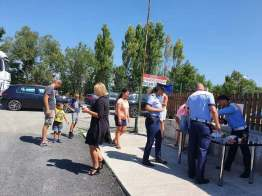 Lugoj Expres Șoferi opriți de polițiștii din Făget pentru... o pauză de cafea, la coborârea de pe autostrada A1 șoferi obosiți șoferi recomandări Polițiști pauză de cafea oboseala la volan Făget DN 68A cafea autostrada A1 accidente
