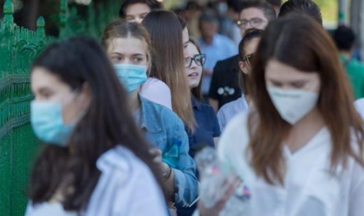 Lugoj Expres Masca de protecție, obligatorie în preajma unităților de învățământ din județul Timiș unități de învățământ Timiș situații de urgență rata de infectare masca de protecție hotărâre Comitetul Județean pentru Situații de Urgență Timiș