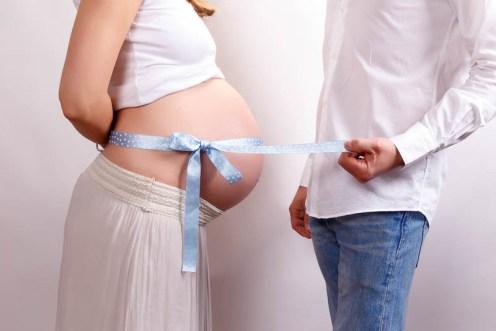 servizio fotografico gravidanza in studioi a Reggio Emilia, Parma e Modena