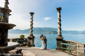 weddingphotographer-lakecomo-boat-tour-villas-photographer-italy (21)