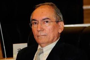Ex-prefeito Valdevino Cabral