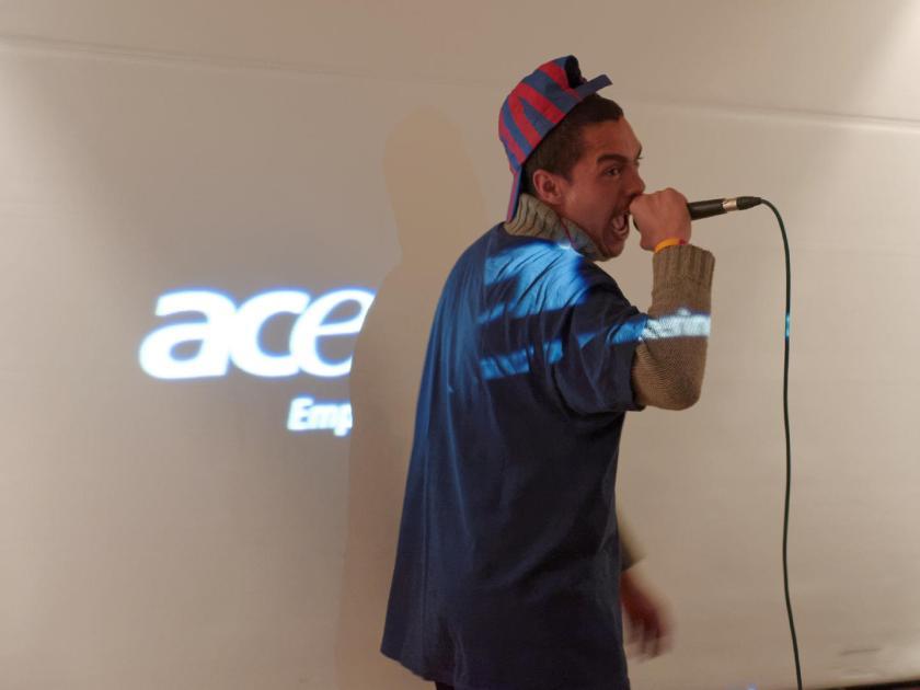 Karim IRT rapeando. Festival Hip Hop Art Of Poetry en Lavapiés, Madrid. Fotografía de Luis F. Roncero.