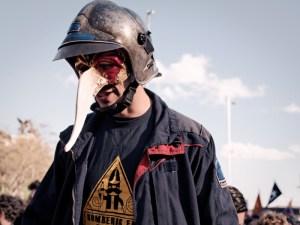 """Bombero con careta manifestándose. """"Marchas de la Dignidad"""" en Madrid. Manifestación contra el paro, la precariedad y los recortes del Partido Popular. By Luis F. Roncero"""