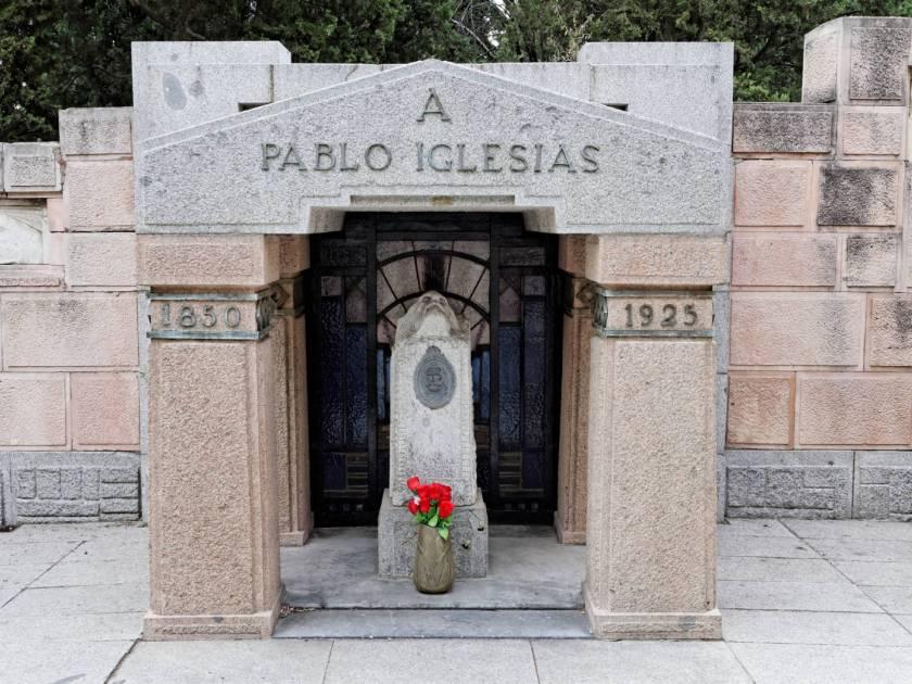 Panteón de Pablo Iglesias, Fundador del PSOE, en el Cementerio Civil de Madrid. Imagen de Luis F. Roncero.