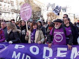Manifestantes Podemos Miranda de Ebro. En La Marcha del Cambio convocada por Podemos el 31 de enero de 2015 en Madrid. By Luis F. Roncero