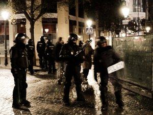 Antidisturbios armados en el centro de Madrid. Marchas de la Dignidad. Manifestación en Madrid. By Luis F. Roncero