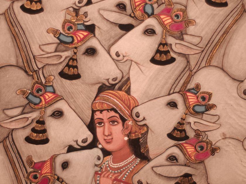 """La luna de Gokul con vacas (Vitthaldas Sharma, 1990). Parte de la exposición """"Forms of Devotion: Arte y espiritualidad en la India de hoy"""" celebrada en el centro cultural Conde Duque Madrid. Fotografía de Luis F. Roncero."""