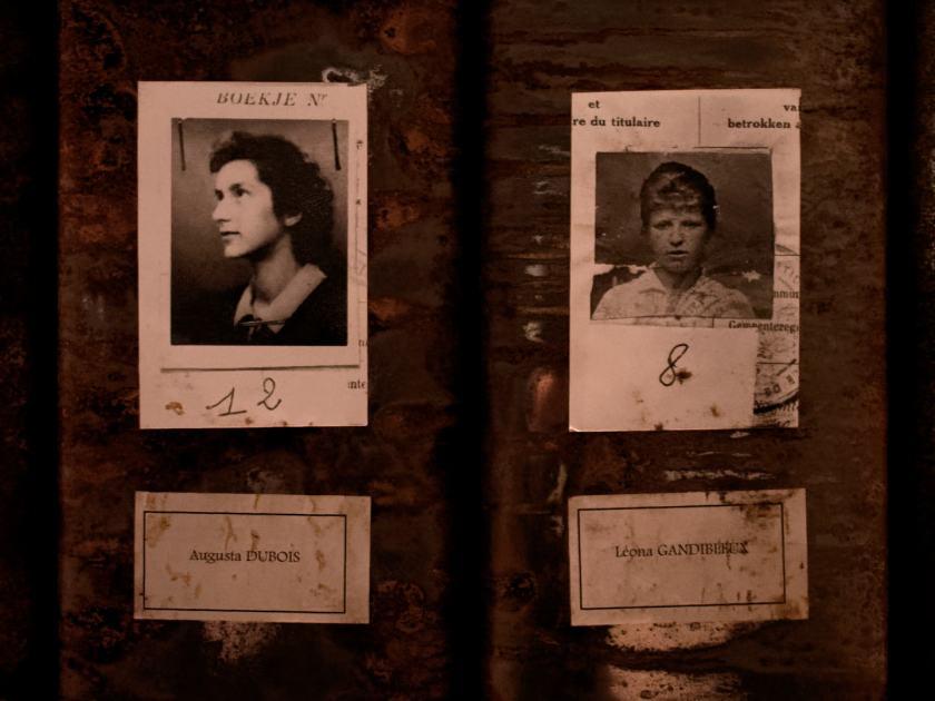 Augusta Dubois y Leona Gandibleux, trabajadoras de Grand-Hornu. Les registres du Grand-Hornu. Una instalación de Christian Boltanski en El Instante Fundación, Madrid. Fotografía de Luis F. Roncero.