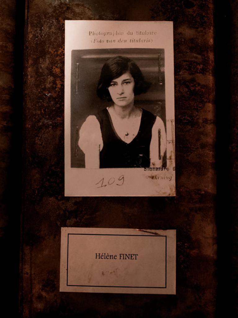 Hélène Finet, trabajadora de Grand-Hornu. Les registres du Grand-Hornu. Una instalación de Christian Boltanski en El Instante Fundación, Madrid. Fotografía de Luis F. Roncero.