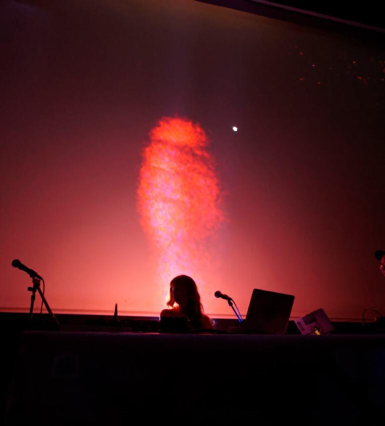 Holly Herndon, Colin Self y Mat Dryhurst. Concierto del festival Electrónica en Abril de La Casa Encendida, Madrid. Fotografía de Luis F. Roncero.