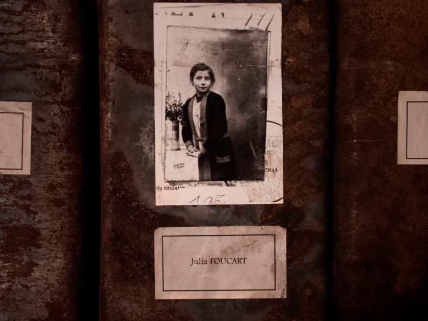 Julia Foucart, trabajadora de Grand-Hornu. Les registres du Grand-Hornu. Una instalación de Christian Boltanski en El Instante Fundación, Madrid. Fotografía de Luis F. Roncero.