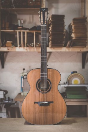 Luis Guerrero Spanish Acoustic Guitars Traditional Series front
