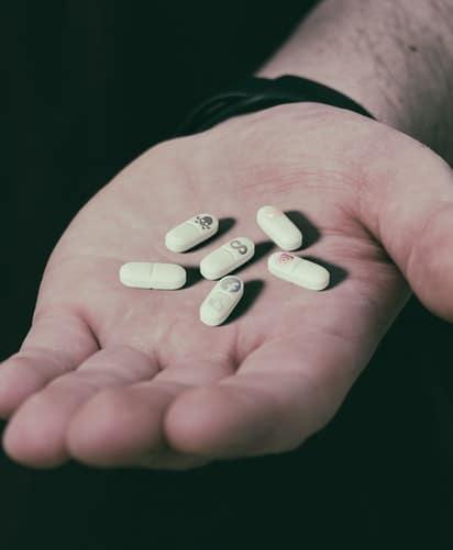 Las diferencias clave entre adicciones químicas y no químicas