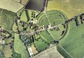Aveburyhenge es un inmenso círculo de piedras rodeado por una zanja con talud. En el lugar confluyen energías muy poderosas.