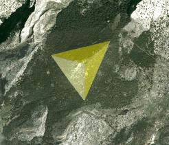 Chakra 3. El tetraedro es la figura asociada al chakra 3
