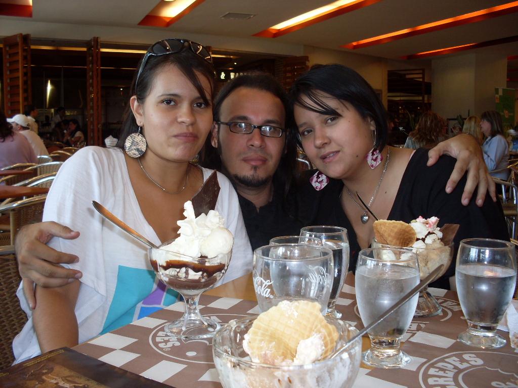 Con lina y Paola