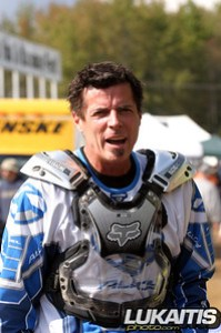 Former Supercross Champion Mike Bell took part in a special moto celebrating Mickey Kesslers birthday.