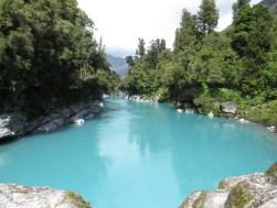 Das Gletscherwasser macht diesen Fluss entweder grau (bei Regen) oder milchblau!