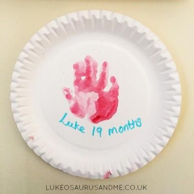 Handprint Keepsakes For Toddlers from lukeosaurusandme.co.uk