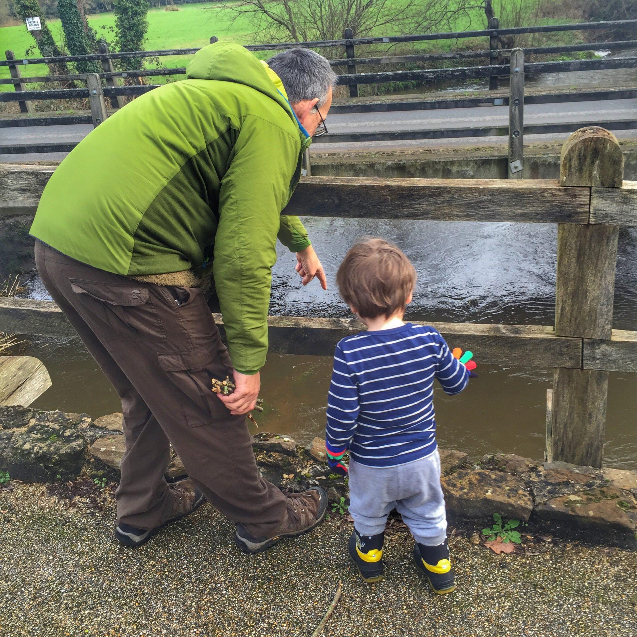 Pooh Sticks on AA Milne's Birthday in Tilford,Surrey at https://lukeosaurusandme.co.uk @gloryiscalling
