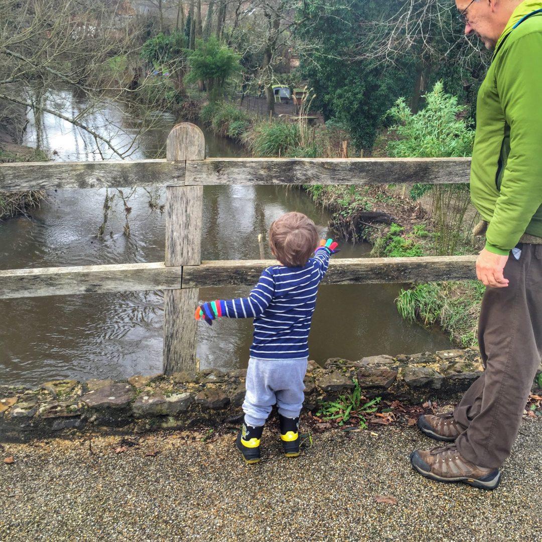 Pooh Sticks on AA Milne's Birthday in Tilford,Surrey at http://lukeosaurusandme.co.uk @gloryiscalling