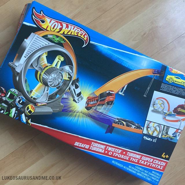 Hot Wheels Turbine Twister toy review at http://lukeosaurusandme.co.uk