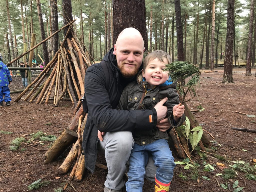 Hands on science for kids of all ages at this family day out in Bracknell, Berkshire - The Look Out Discovery Centre! https://lukeosaurusandme.co.uk