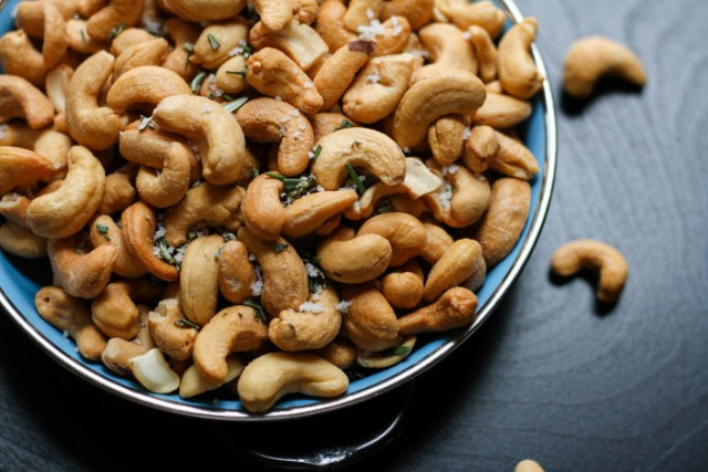 A brief history of the cashew nut at https://lukeosaurusandme.co.uk