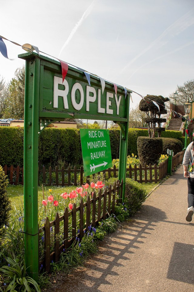 Ropley train station sign at the Watercress Line during their Day Out With Thomas Easter event. Read our full review of the event at https://lukeosaurusandme.co.uk