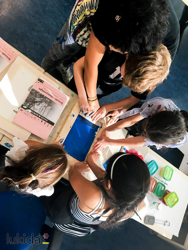 Lukida kunstenaars voor de klas