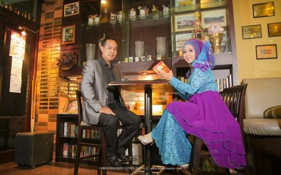 Prewedding Muslim di cafee