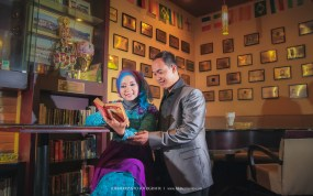 Prewedding Muslim di cafe